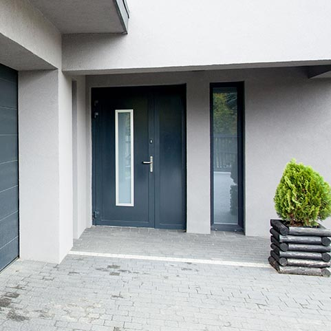 Glazed aluminium entrance door